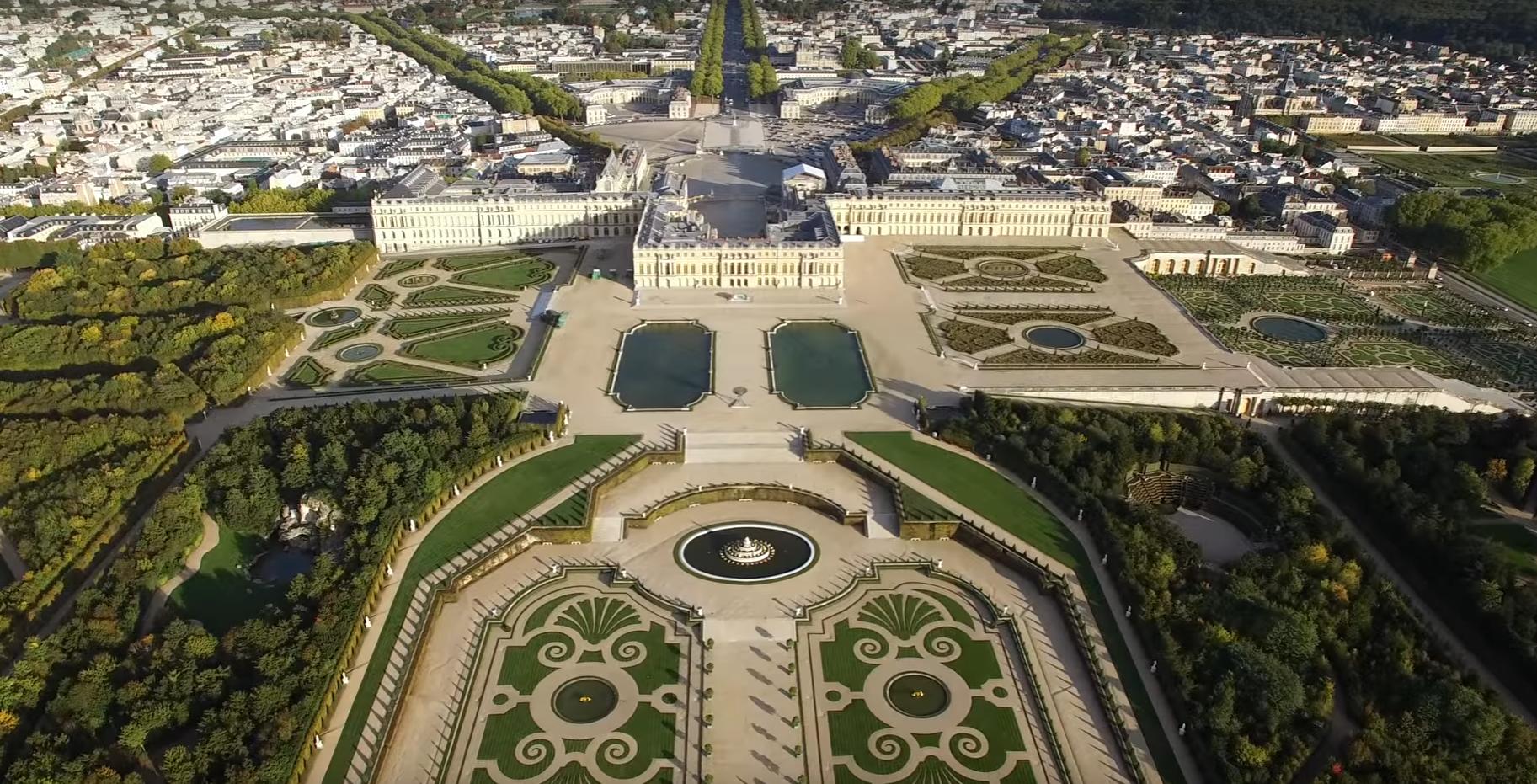 Jean-Michel Apathie voudrait raser le château de Versailles