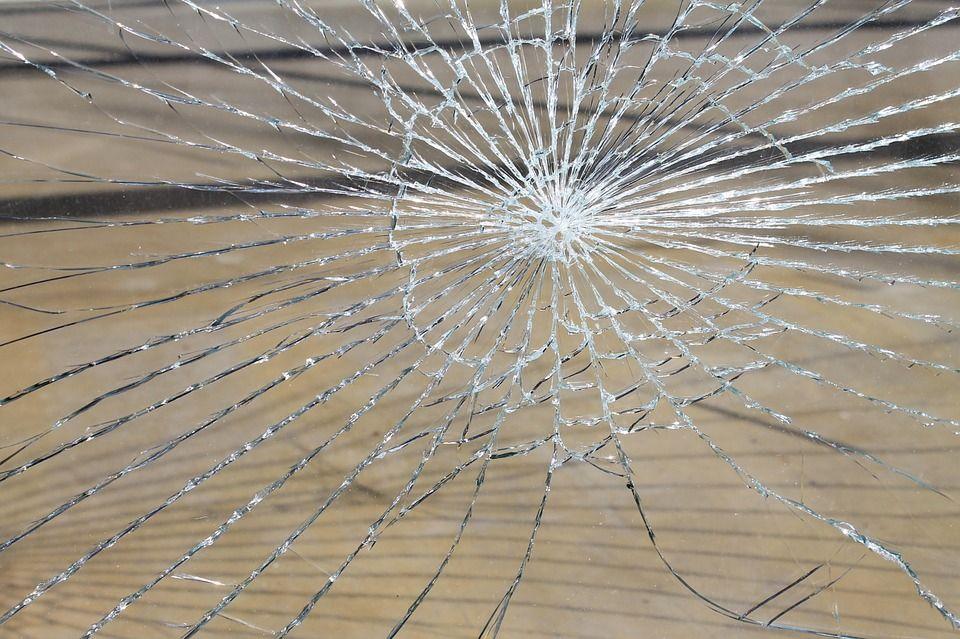 Ces signaux faibles (mais bien parlants) qui montrent que le plafond de verre de Marine Le Pen est en train de se fissurer