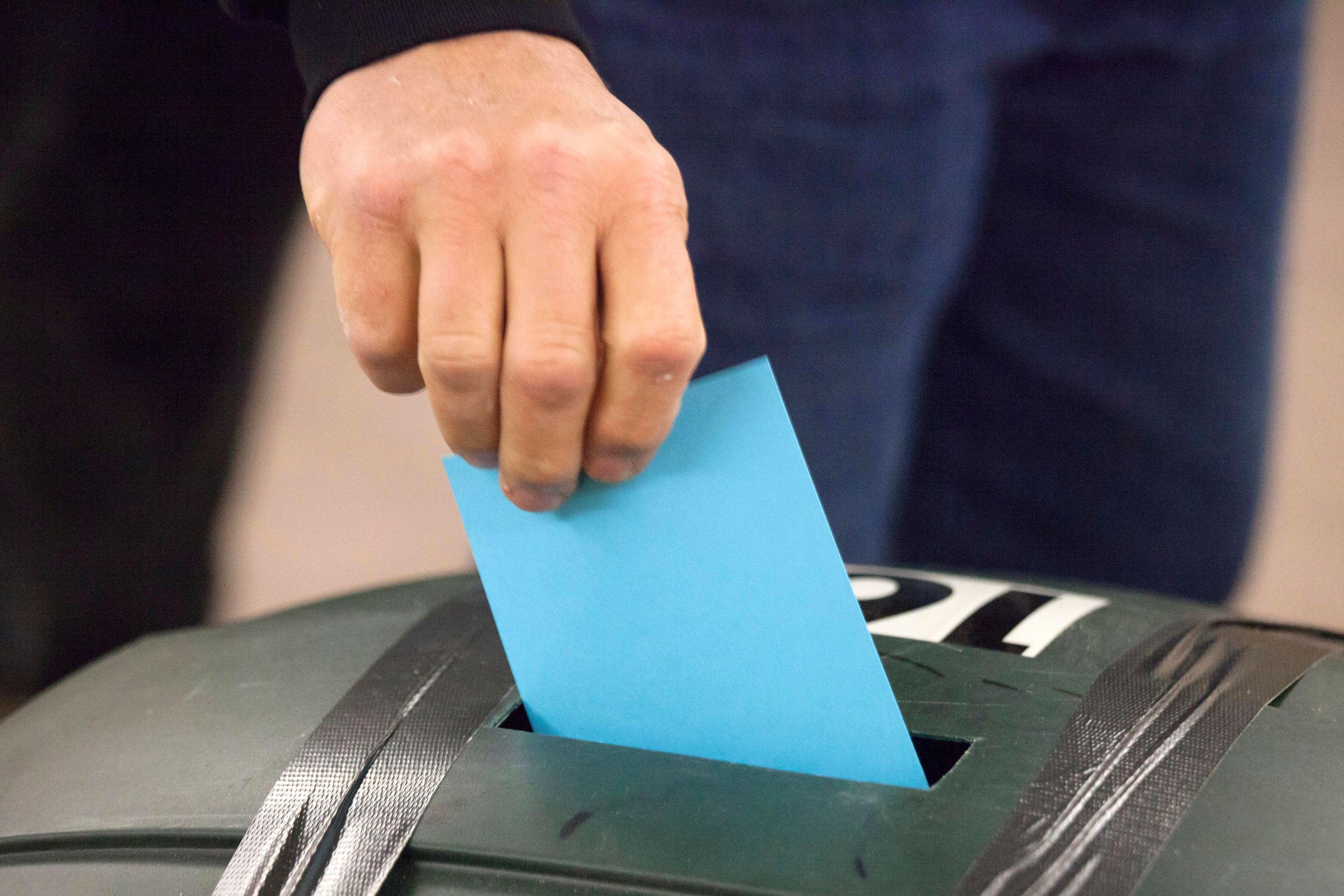 Les bureaux de vote seront ouverts dimanche pour les élections municipales