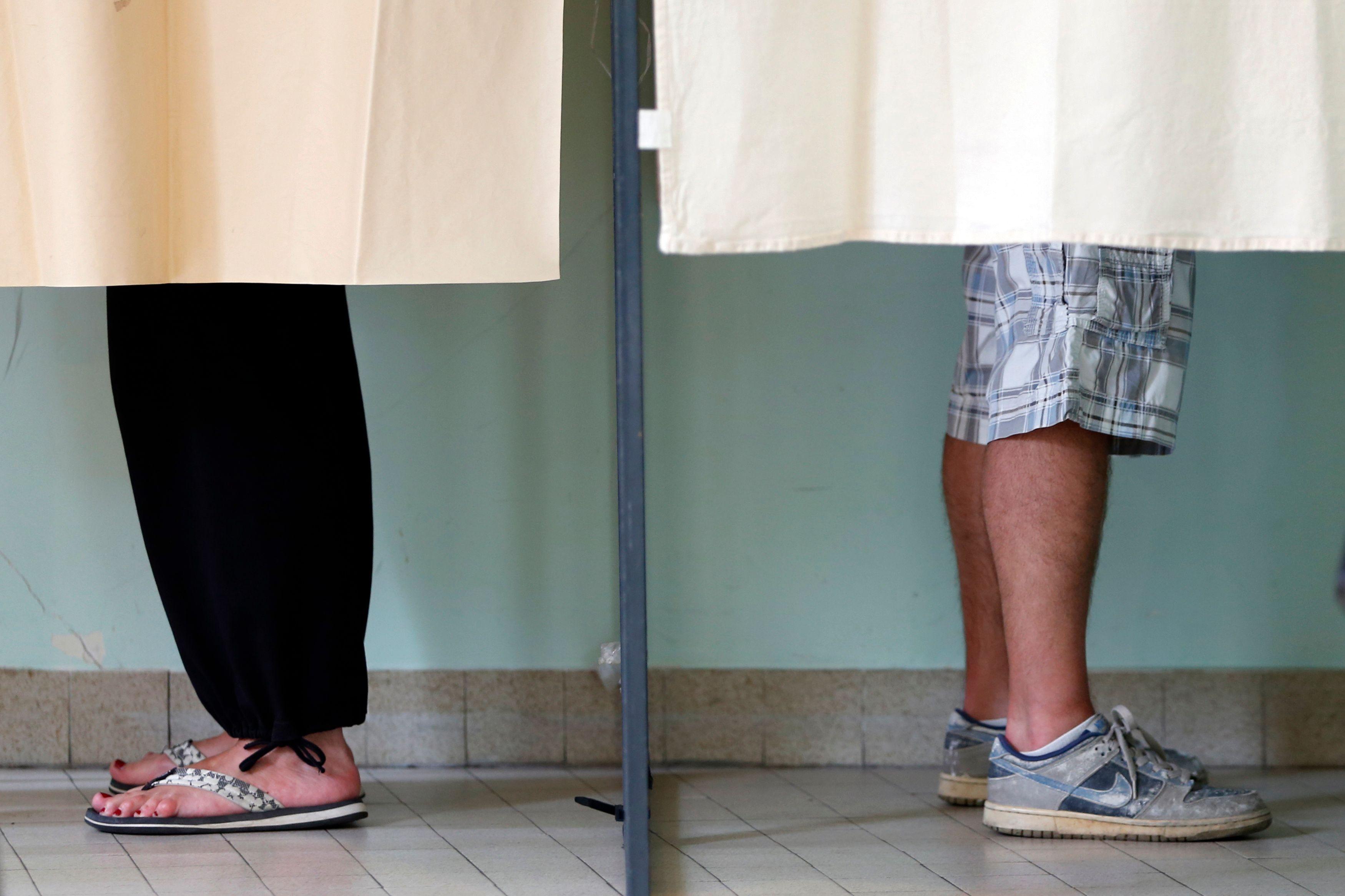 Gauche /droite, mondialiste contre nationaliste, peuple ou élites, globe-trotter ou assignés à résidence etc… : sur lequel des nouveaux clivages politiques allez-vous voter ?