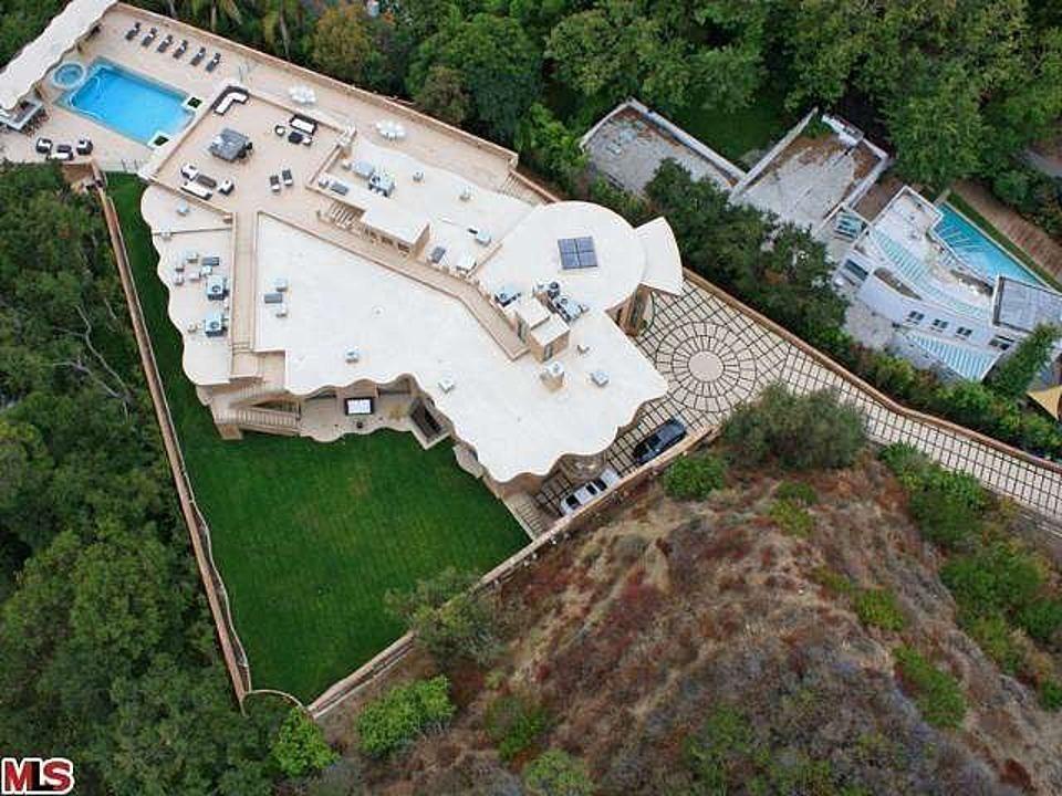 Rihanna loue sa maison de 890 mètres carrés à LA.