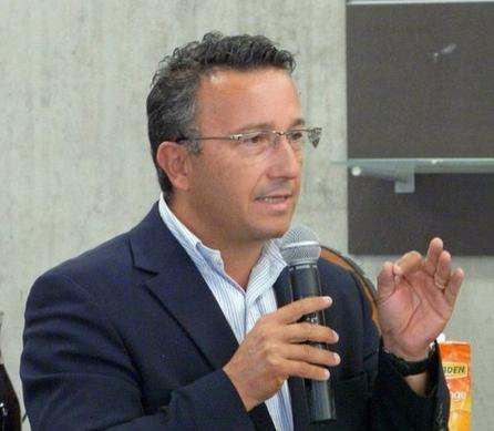 """Le maire de Roanne accepte d'accueillir des migrants uniquement s'ils """"sont chrétiens"""""""
